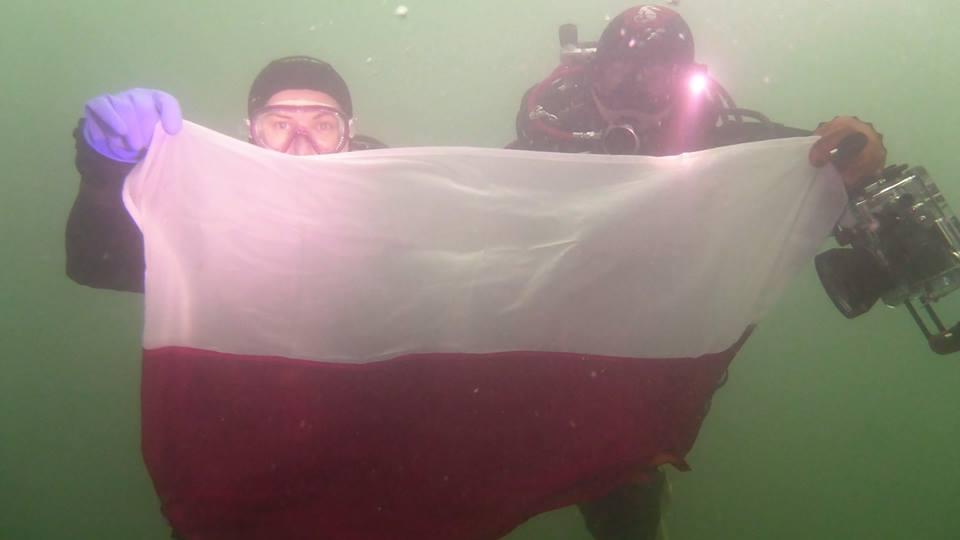 nurkowanie-z-flaga2
