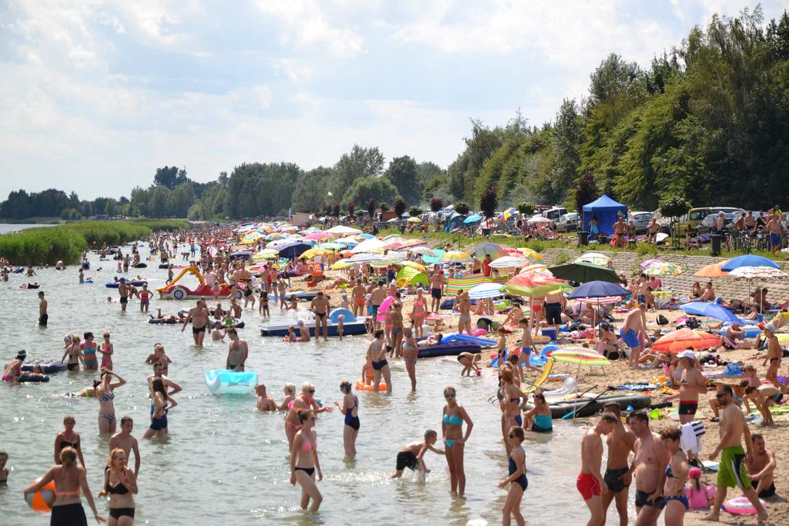 plaza-jezioro-tarnbrzeskie2